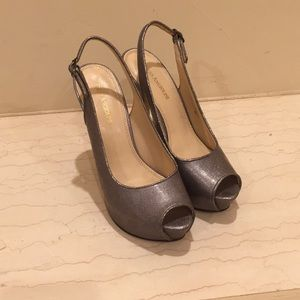 Enzo Angiolini silver heels 👠 size 8